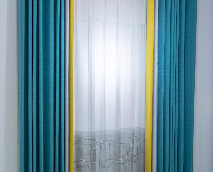 罗兰锦缎窗帘,85%遮光度,不用定型,手感细腻,垂感好